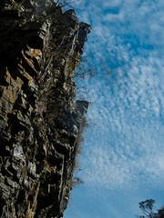 Paraíso Perdido (Johnny Photofucker) Tags: paraísoperdido minasgerais mg sãojoãobatistadoglória lightroom brasil brazil brasile céu sky cielo aw100 nikon cerrado escarpa cânion canion pedra stone rock pietra natureza natura nature nuvole nuvola nuvem nuvens cloud clouds serradacanastra azul blue blu