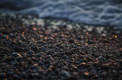 [ Viaggi di un sassolino - A pebble's travels ] DSC_0031.R2.jinkoll (jinkoll) Tags: stone pebble sea beach shore waves calabria tropea summer reflections sunset water detail dof bokeh
