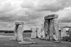 One by one, they mark our passage (OR_U) Tags: 2017 oru uk heritage landmark stonehenge sandingstones stones rocks monochrome blackandwhite blackwhite scharzweiss clouds landscape