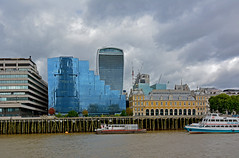 Old and new (Caulker) Tags: london city river thanes billingsgatefishmarket viewfromtheboat 11092017 lowtide