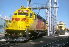AT&SF SD45-2u 5828 (Chuck Zeiler) Tags: atsf sd452u 5828 railroad emd locomotive corwith chicago chuckzeiler chz