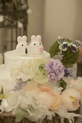 Lovely rabbit bride and groom MochiEgg custom wedding cake topper, bunny cake topper, cute animals wedding cake decoration and ceremony decor ideas (charles fukuyama) Tags: wedding weddingcaketopper handmadecaketopper cakedecor weddingideas weddingthings weddingday bigday clay sculpted unique gift couple marriage justmarried kikuike nozze hochzeit boda 結婚式 mariage lapin hase coniglio