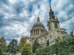 St Paul's Cathedral, London, UK (duaneschermerhorn) Tags: architecture building church cathedral dome religion architect wren christopherwren england london historic historicsite sky blue white clouds dramatic drama hdr
