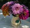 Some flowers for the old neighbour (Elise de Korte) Tags: fr france frankrijk ldf lafrance bloei bloeien bloem bloemen boeket dahlia fleur fleurs flower flowers verbenabonariensis zinnia