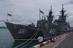 HTMS Phutthayotfa Chulalok (FFG 461) and HTMS Phutthaloetla Naphalai (FFG 462) Knox Class Frigate Sattahip Thailand (naval photography) Tags: htms phutthayotfa chulalok ffg 461 thai พุทธยอดฟ้าจุฬาโลก is former uss truett ff1095 knoxclass frigate the ship named after first king chakri dynasty chulaok great royal navy leased from us she was decommissioned july 30 1994 eventually purchased december 9 1999 a chulalokclass has sister phutthaloetla naphalai 462 knox class sattahip thailand destroyer cruiser battleship aircraft carrier corvette warship naval