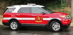Arlington County Fire Department Command Aide 114 2015 Ford Explorer XLT (NorthernVirginiaPoliceCars) Tags: alexandriafiredepartment arlingtoncountyfiredepartment fairfaxcountyfirerescue fcfrd afd acfd 2nd 2 alarm fire residential building alexandriavirginia parkfairfax firefighter ff emt ffemt emergency first responders department 911 heroes rescue flame lightbar red outdoors vehicles cars trucks suv van alexandria arlington fairfax county responder scene chief smoke truck firetruck engine squad incident ems medical technician service ambulance ca114 commandaide battalionaide commandaide114 station104 clarendon command battalion aide captain ford explorer fordexplorer