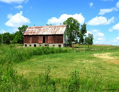 Old Barn, Flamborough - IN EXPLORE (Lois McNaught) Tags: oldbarn oldbuilding farm rustic rural flamborough hamilton ontario canada barn ruraldecay countryscene oldredbarn redbarn