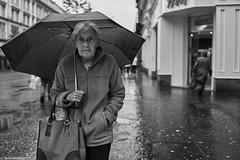 Irland Street Belfast Frau 235 b&w (rainerneumann831) Tags: bw blackwhite street streetscene ©rainerneumann urban monochrome candid city streetphotography blackandwhite portrait