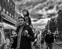 South Street, 2017 (Alan Barr) Tags: philadelphia 2017 southstreet street sp streetphotography streetphoto blackandwhite bw blackwhite group city mono monochrome candid people olympus omd em5