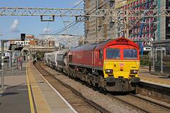 A splash of red (DieselDude321) Tags: 59203 class 59 db dbs schenker cargo 6v28 1537 dagenham dock arc acton tc stratford station london
