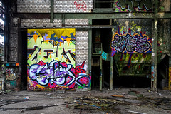 urbexgraffiti - deutz ag industrieruine, köln mülheim (urbanpresents.net) Tags: art cologne deutschland deutzag germany industrieruine kersavond köln mülheim nrw publicart street streetart urban urbanart urbanpresentsnet urbexgraffiti