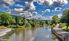 An der Weser (garzer06) Tags: wolken fluss weser höxter deutschland baum grün weis strase park