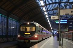 PR EN57-2054 + EN57-2031 , Wrocław Główny train station  17.09.2017 (szogun000) Tags: wrocław poland polska railroad railway rail pkp station wrocławgłówny ezt emu set en57 en572054 spot pr przewozyregionalne train pociąg поезд treno tren trem passenger commuter regio 67921 d29132 d29271 d29273 d29276 d29285 d29763 e30 e59 dolnośląskie dolnyśląsk lowersilesia canon canoneos550d canonefs18135mmf3556is
