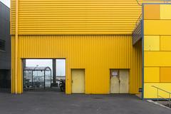 jaune (godelieve b) Tags: jaune yellow architecture extérieur outside urban france lines formes shapes couleurs colors ouverture pavement street
