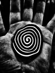 - hypnotic -  #kuekupinggajah #cake #blackandwhitephotography #blackandwhitephoto #blackandwhite #bw #bnw #monochromephotography #monochrome #iphone #other #freestyle (victor_erdi) Tags: kuekupinggajah cake blackandwhitephotography blackandwhitephoto blackandwhite bw bnw monochromephotography monochrome iphone other freestyle