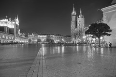Noir (grcornici.gianni) Tags: noir notte notturno citta city landscape luci polonia sonyalpha7r sony