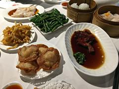 2017 Sydney: Yum Cha (dominotic) Tags: 2017 food yumcha bbqpork scallops prawnfilledricenoodles calamari garlicgreenbeans prawndumplings crabdumplings iphone6 sydney australia