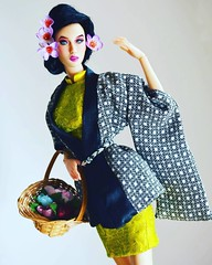Wish you all have a Super Monday.   #dollphotogallery #gorgeous #dollphotography #makeup #geisha #kimono #16inchesdoll #dollsaddict #miniatures #mannequin #model #16inchesbjd #collectibles #emperis #emperisdolls #dollmaking #bjd #bjddoll #japan #london #r (fetique+clinique) Tags: instagramapp square squareformat iphoneography uploaded:by=instagram clarendon