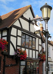 The White Swan (magister111) Tags: england inghilterra fachwerkhaus lamps signs