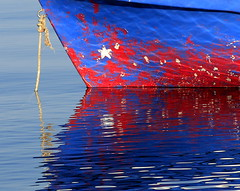 reflection (maria xenou ( on/OFF )) Tags: ελλαδα star stern blue red boat sea reflection moments motion emotion momente fotodromos photodromos bewegung meer mittelmmer spiegelung summer greece griechenland sommer maria wasser water colors farben θαλασσα νερο χρωματα στιγμεσ αστερι βαρκα μπλε κοκκινο αντανακλαση καλοκαιρι φοτοδρομοσ μαρια wasserspiegelung colours canoneos1100d simple einfachheit