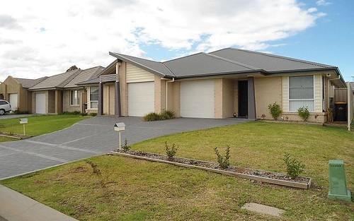 2/8 Robinia Way, Cessnock NSW