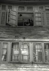 EL FONTÁN (toyaguerrero) Tags: oviedo uvieu asturias elfontán mercado mercau arquitectura architecture ventanas maríavictoriaguerrerocatalán toyaguerrero windows