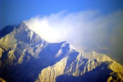 View of Kanchanjunga (wietsej) Tags: view kanchanjunga konica minolta digital camera rishyap west bengal india minoltadynax7 500mm f8 af reflex 500 mm sunrise wietse jongsma