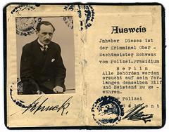 Anglų lietuvių žodynas. Žodis schwenk reiškia <li>schwenk</li> lietuviškai.