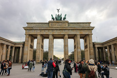 Berlín_0113 (Joanbrebo) Tags: berlin alemania de brandenburgertor puertadebranderburgo cityscape streetscenes street carrers calles gent gente people peopleandpaths monument monumento canoneos80d eosd efs1018mmf4556isstm autofocus