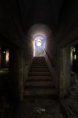 Come on... (www.jeanpierrerieu.fr) Tags: wwwjeanpierrerieufr abandonné abandoned exploration explorationurbaine decay forgotten friche forbidden escalier italie couvent corbillard
