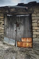 Montanyana. (Thanks for +350.000 views) Tags: montanyana ribagorça puertas door portes