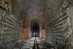 Carrière souterraine de craie (flallier) Tags: carrière souterraine craie underground chalk quarry galerie tunnel silhouette backlight
