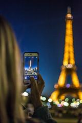 La Torre Eiffel iluminada (Monica Fiuza) Tags: eiffeltower bokeh night noche torreeiffel parís