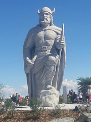 The Gimli Viking (canadianlookin) Tags: viking statue gimli manitoba august 2017 icelandic