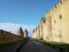 Entre les murs (bruno carreras) Tags: francia france ciudadela citadelle medieval castillo castle chateau pueblo town village carcasona carcassonne aude occitania
