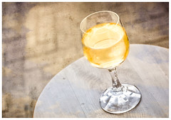Sundowner (Daniela 59) Tags: flickrfriday indulgentpleasures glass wine wineglass sauvignonblanc sundowner sunset texture textures stilllife danielaruppel