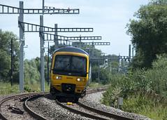 T100817 p01 (Tim Boyden) Tags: rail transport travel commuting journey tracks