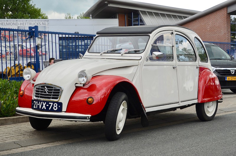 The world 39 s best photos of 2cv and garage flickr hive mind - Garage renault strasbourg hautepierre ...