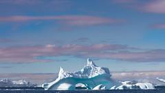 Sharkfin Iceberg (Role Bigler) Tags: canoneos5dsr ef4070200isusml natur nature discobay eisberg greenland grönland iceberg nordatlantik northatlantic sharkfin diskobay