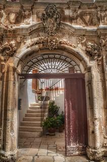 A baroque door...
