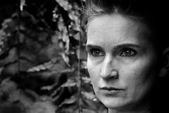 Sandra Richter (HAGEL54) Tags: sandrarichter analog schwarzweiss blackandwhite porträt trix leicam3 elmarit 9cm28 standdeveloped rodinal