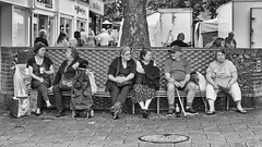 Who was on the other bench 23 Aug 2017 (sasastro) Tags: benchsitters whowasonthebench cornhill burystedmunds marketday streetphotography street urban candid