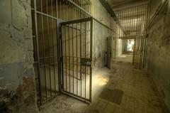 Prison Off
