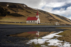REYNISKIRKJA ICELANDIC CHURCH NEAR REYNISFJARA BEACH, SOUTH ICELAND. (IMAGES OF WALES.... (TIMWOOD)) Tags: reynisfjara dyrholaey vik church kirkja traditional icelandic iceland