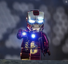 Chrome Iron-Man (jezbags) Tags: lego legos toys toy minifigure minifigures macro macrophotography macrodreams macrolego canon60d canon 60d 100mm closeup upclose ironman marvel marvelstudios legomarvel flare metal chrome red gold avengers laser lighting
