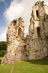 DSC_1713 (amoamas07) Tags: oldwardourcastle englishheritage castle ruin