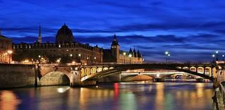 Pont Notre-Dame , Greffe du Tribunal de Paris , Conciergerie