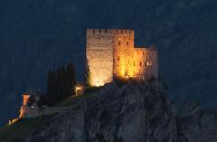 Evening at the castle (Agnolo) Tags: nikon d7100 tamron 70300 castello castle laudeck laudegg tirolo tyrol austria österreich ladis notturno night notte alpi alps montagna mountain bluehour orablu worldtrekker serfaus fiss explore flickrexplore