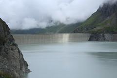 lac des Dix, barrage de la Grande Dixence (bulbocode909) Tags: valais suisse dixence hérémence valdesdix barragedelagrandedixence lacdesdix lacs barrages montagnes nature nuages brume