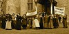 Vrouwen kiesrecht (Roel Wijnants) Tags: roelwijnants roelwijnantsfotografie roel1943 haagshistorischfestijn binnenjof kiesrecht vrouwen wet parlement alettajacobs hendrikpietermarchant spel levende histot rie levendehistorie wilhelminadrucker 1919 suffragettes haagseschatkamer wandelvondst wandelen wandelapp mooidenhaag denhaag hofstad thehague haagspraak hofstijl absolutelythehague acitytolove leesdevoorwaardenvoorgebruik